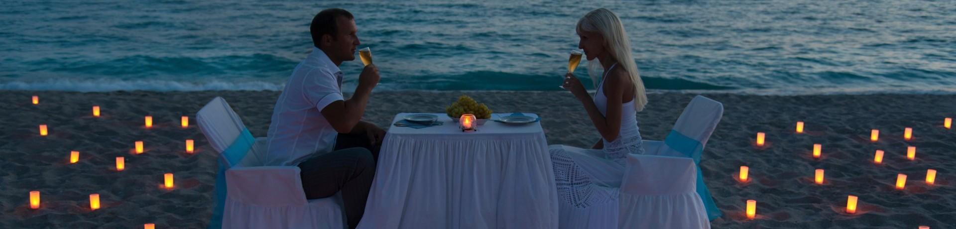 Un dîner romantique aux chandelles pour la Saint-Valentin