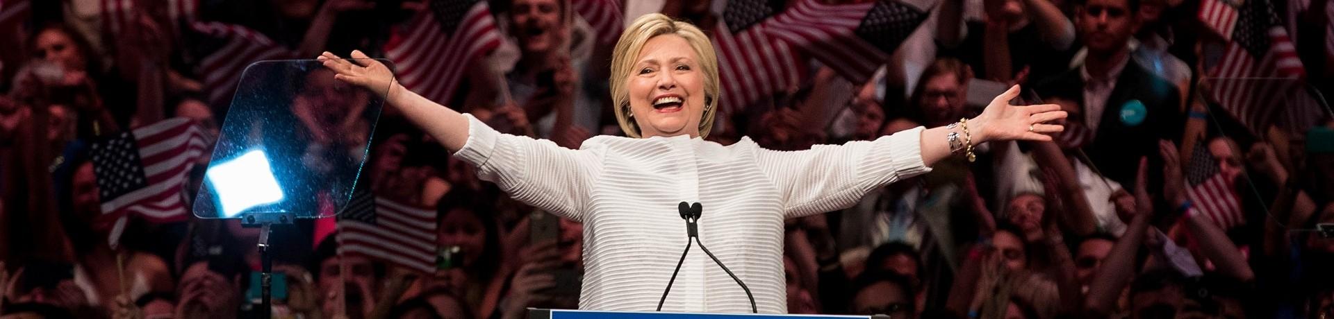 Clinton officiellement première femme à briguer la présidence américaine
