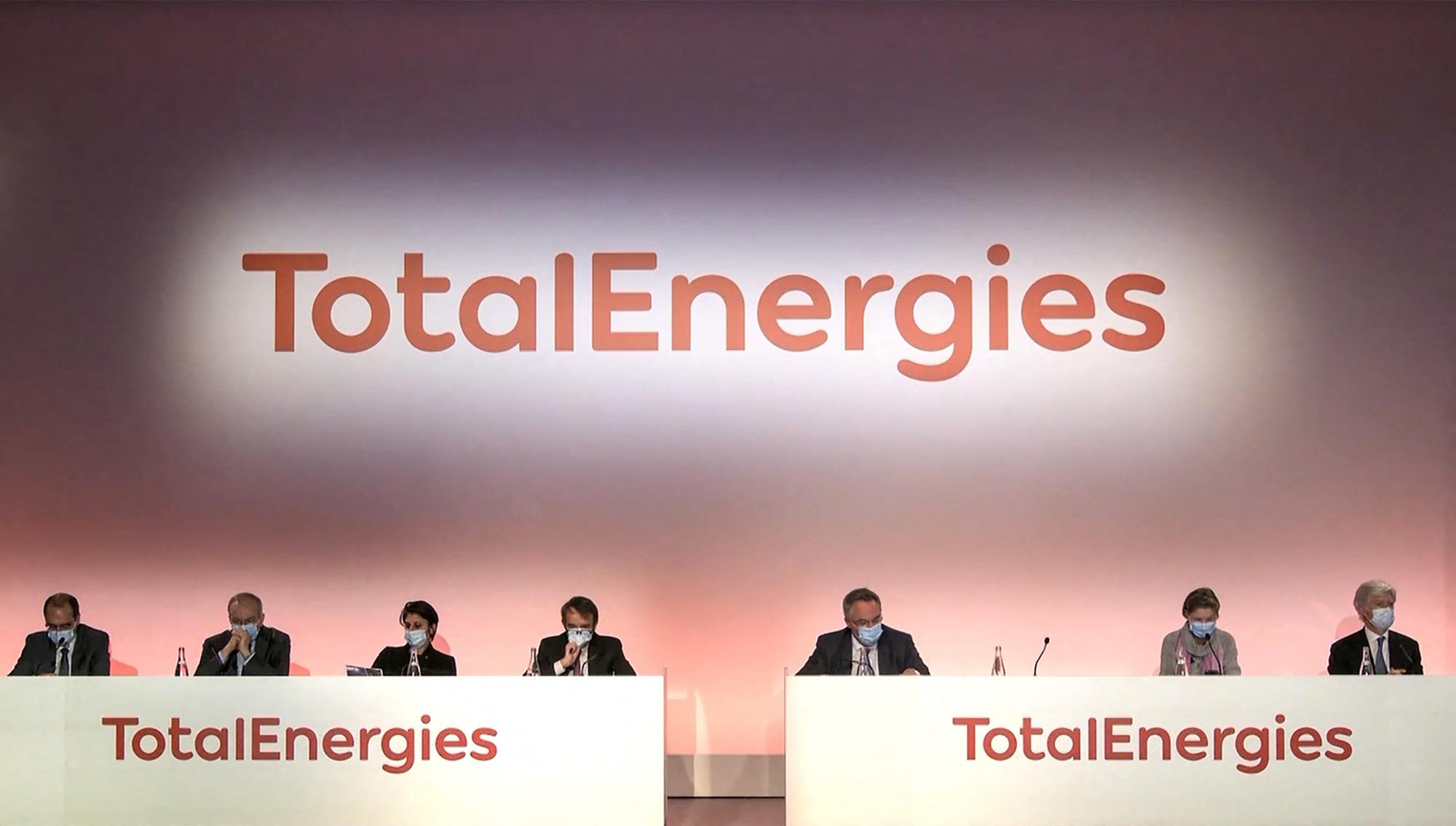 Total vire au vert et change de nom en devenant TotalEnergies - RTL.fr