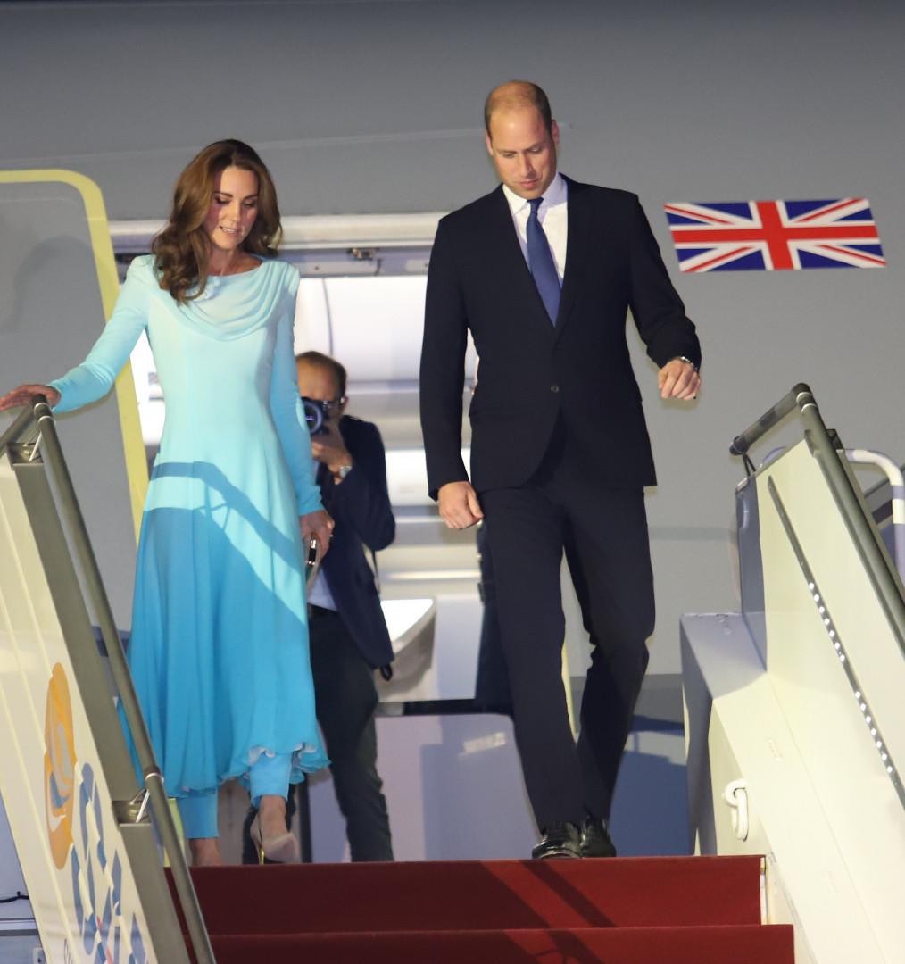 Kate et William arrivant en visite au Pakistan le 14 octobre 2019