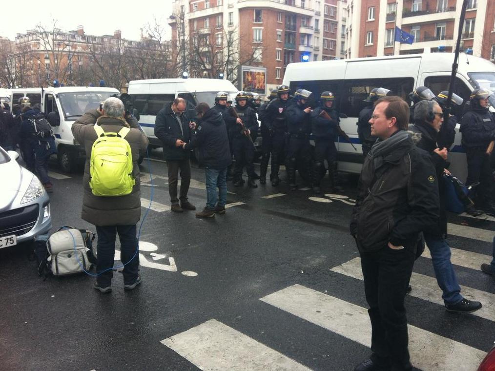 Paris est désormais une ville fermée, bouclée par la police