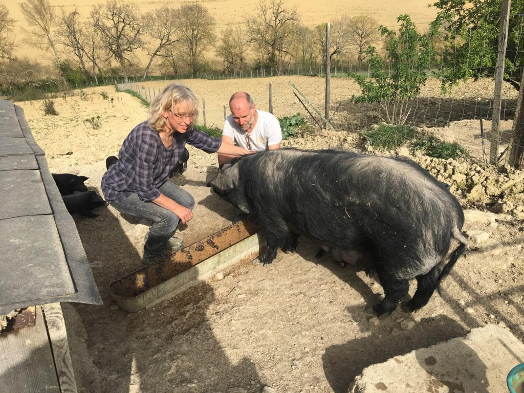 """Catherine et Pascal Lesage, gérants de la ferme """"La Mousquère""""."""