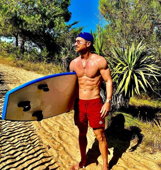 David Guetta en mode surfeur