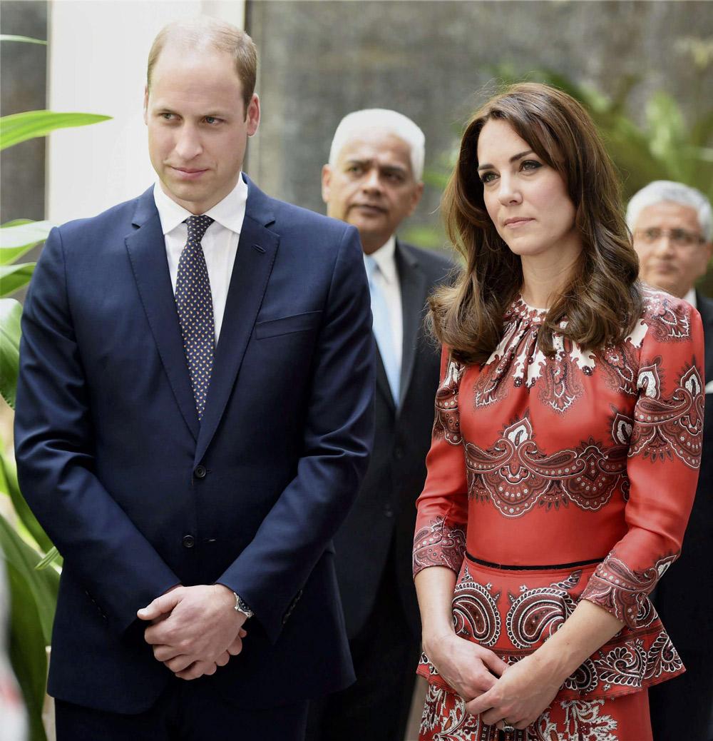 Le duc et la duchesse de Cambridge à une cérémonie d'hommage le 10 avril 2016 en Inde