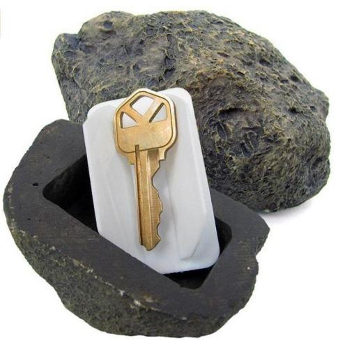 Une fausse pierre pour cacher ses clefs.