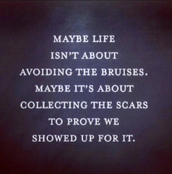 """""""Peut-être que dans la vie on ne doit pas éviter les blessures. Peut-être qu'il s'agit de collectionner les cicatrices pour prouver qu'on se bat"""" partage Sophie Bush"""