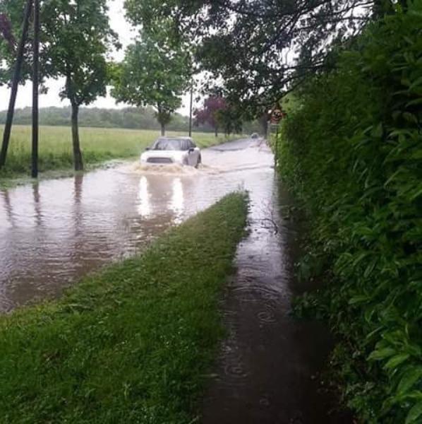 Une rue inondée vers Orléans (Loiret)