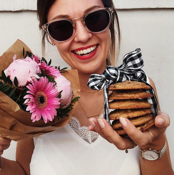 """""""Des fleurs & des cookies, il m'en faut peu pour être heureuse"""""""