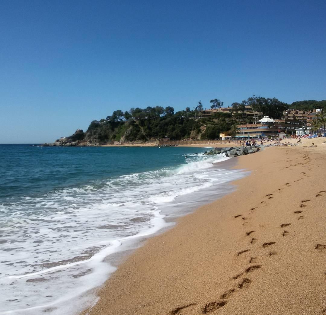 Le sable fin de Lloret de Mar, en Espagne.
