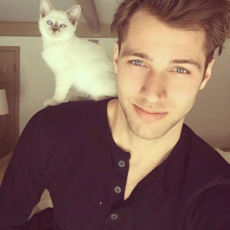 Le compte est suivi par 44.000 fans de chatons et de mannequins