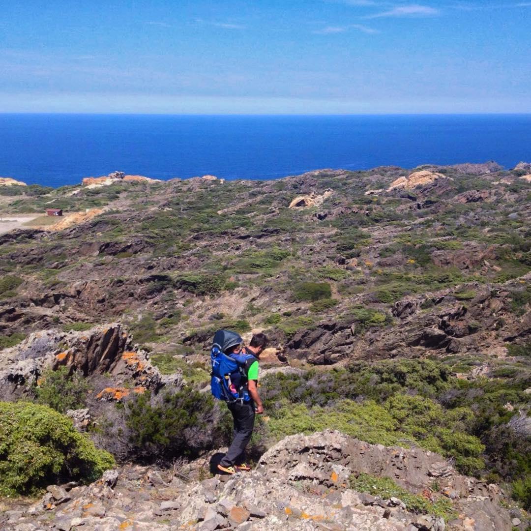 Cadaqués, charmante ville du nord de l'Espagne, entre terre et mer.