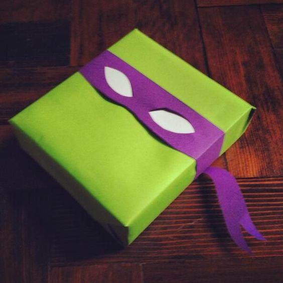 Pour les amateurs de super-héros, un bandeau pour faire un masque