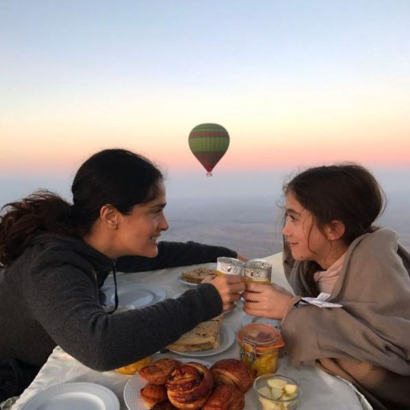 Salma Hayek préfère fêter la Saint-Valentin en compagnie de sa fille