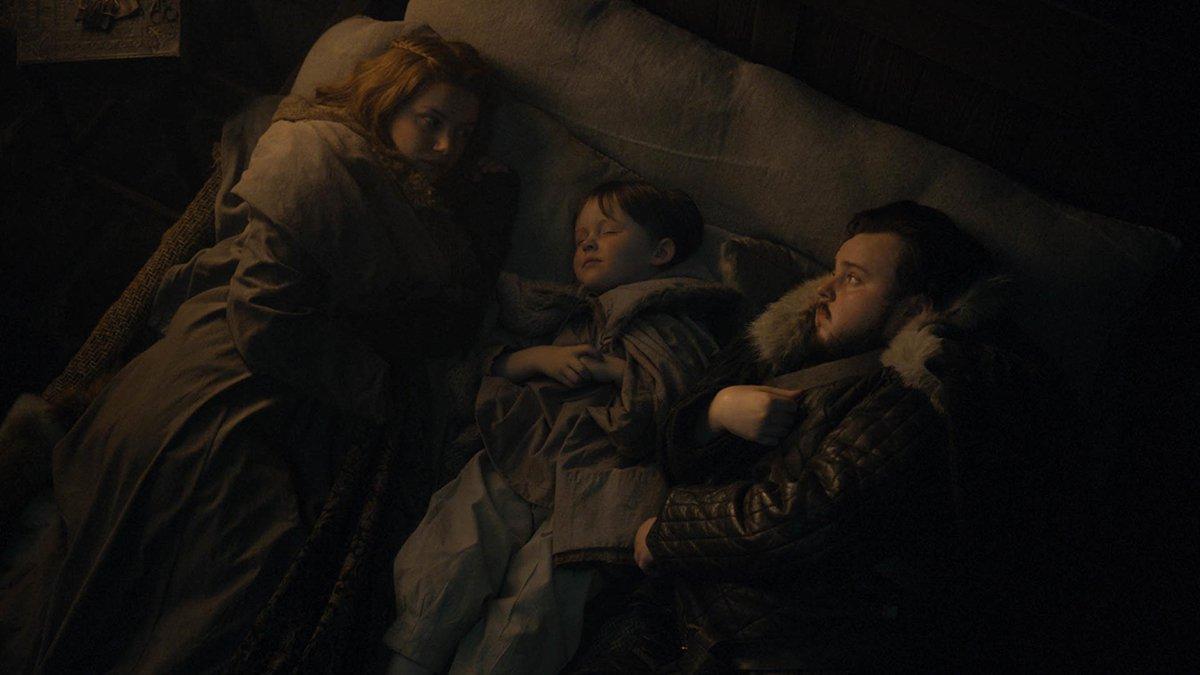 Plus confort : petite sieste au lit, en famille, avec bébé Sam entouré de Gilly et Samwell Tarly