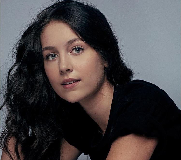 Cassie Lang est incarnée par Emma Fuhrmann