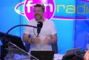 """Un auditeur, ému, apprend qu'il remporte 100.000 euros dans """"Bruno dans la radio"""""""