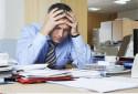 Un homme souffrant d'une migraine (illustration).