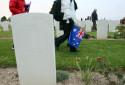 Des visiteurs australiens le 25 avril 2010 à Villers-Bretonneux, où leurs ancêtres ont combattu durant la guerre de 1914-18