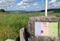 La stèle en l'honneur de Henry Gunther, dernier soldat américain tué sur le sol français