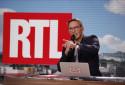 """Julien Courbet lors de l'émission """"Ça peut vous arriver"""""""