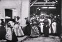 """""""La sortie de l'usine Lumière à Lyon"""", le premier film de l'histoire du cinéma"""