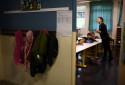Une enseignante dans une salle de classe à Corbeil-Essonnes
