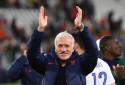 Didier Deschamps célèbre la victoire de l'équipe de France contre la Belgique en demi-finale de Ligue des nations, le jeudi 7 octobre au Juventus Stadium de Turin.