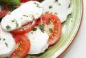 Une salade tomate-mozzarella