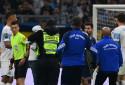 """Un homme a envahi la pelouse du Vélodrome lors du """"classique"""" OM-PSG ce dimanche soir"""