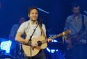 """Vianney interprète """"Dumbo"""" live au RTL2 Pop-Rock Live au Trianon (08/10/20)"""