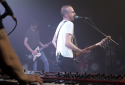"""Calogero : """"Je joue de la musique"""" (Concert Très Très Privé RTL2)"""
