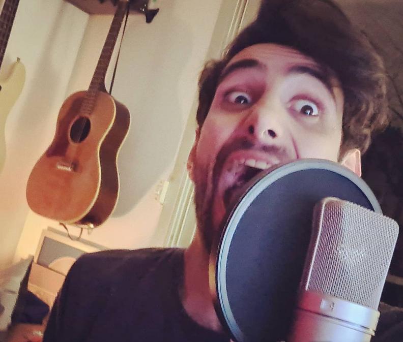 """Le chanteur Ali prêt à dévoiler son titre """"Paris me dit (Yalla ya helo ! )"""""""
