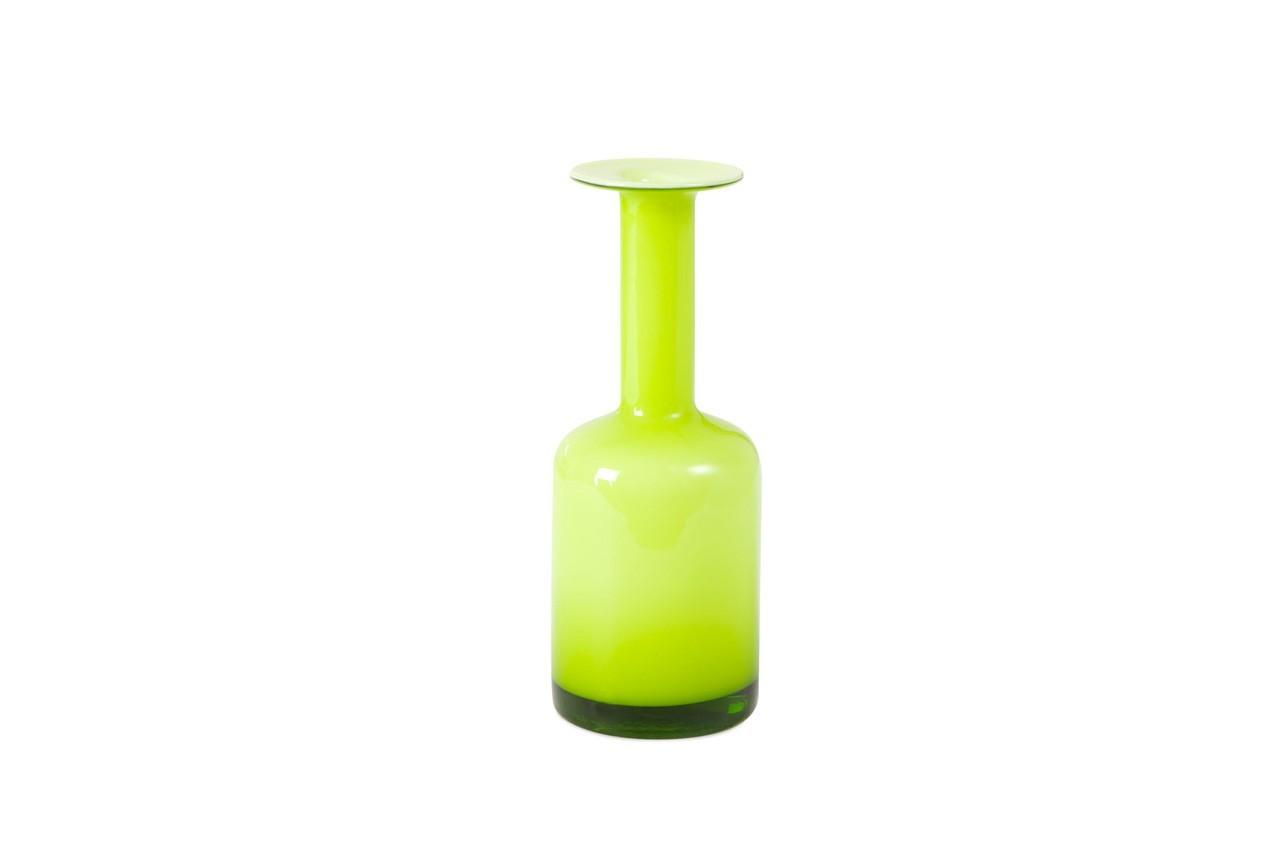 Couleur pétillante et forme originale font de ce vase un modèle unqiue. Vase bouteille verte, Zara Home, 17,99 €