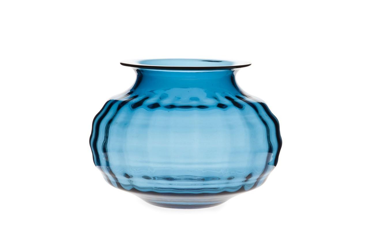 De jolies vagues composent ce vase bas. Vase vague, Zara Home, 35,99 €