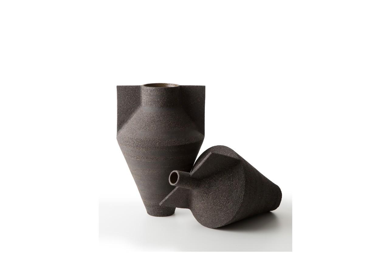 Design surprenant pour ce vase à oreilles. Vase Jana, Cappelini, 408 €