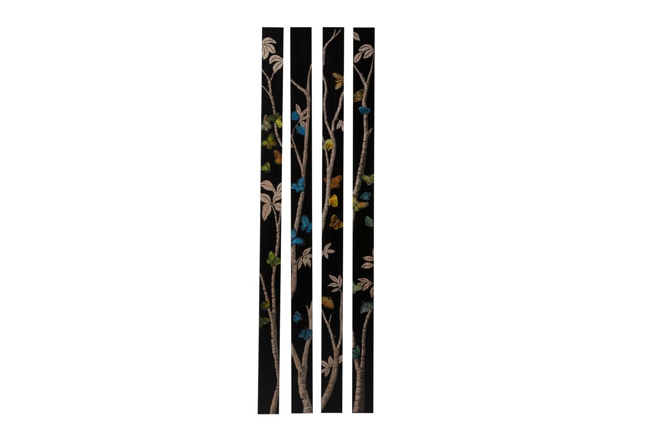 Créez la surprise en habillant vos murs avec ces jolis panneaux gravés à la main. Panneaux muraux Four Seasons, Du Bout Du Monde, 550 €