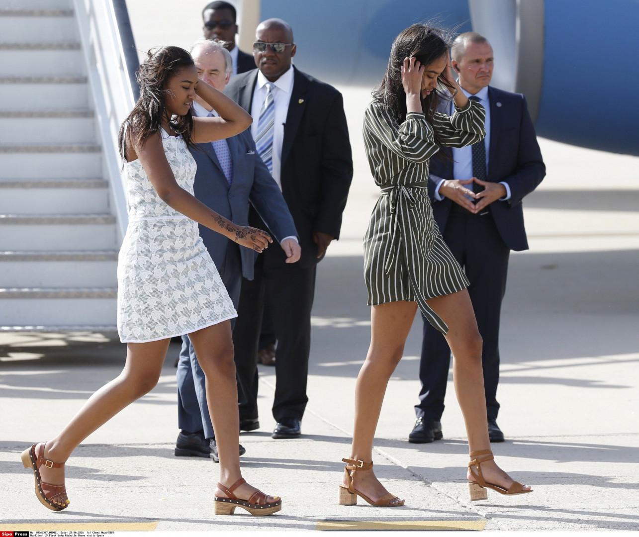 De plus en plus présentes dans les médias, les deux jeunes filles portent désormais une attention toute particulière à leur allure.