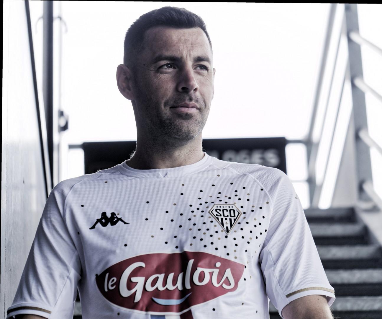 Le maillot extérieur de Angers pour la saison 2021-2022