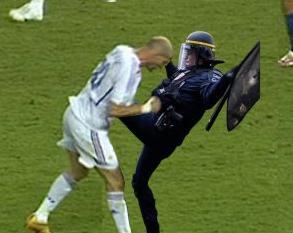 Note aux jeunes manifestants : Zinedine Zidane n'est pas toujours un exemple