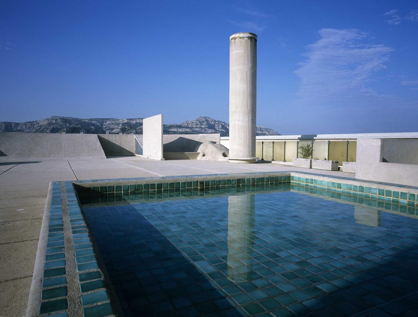 La piscine sur le toit de la Cité radieuse (Marseille)
