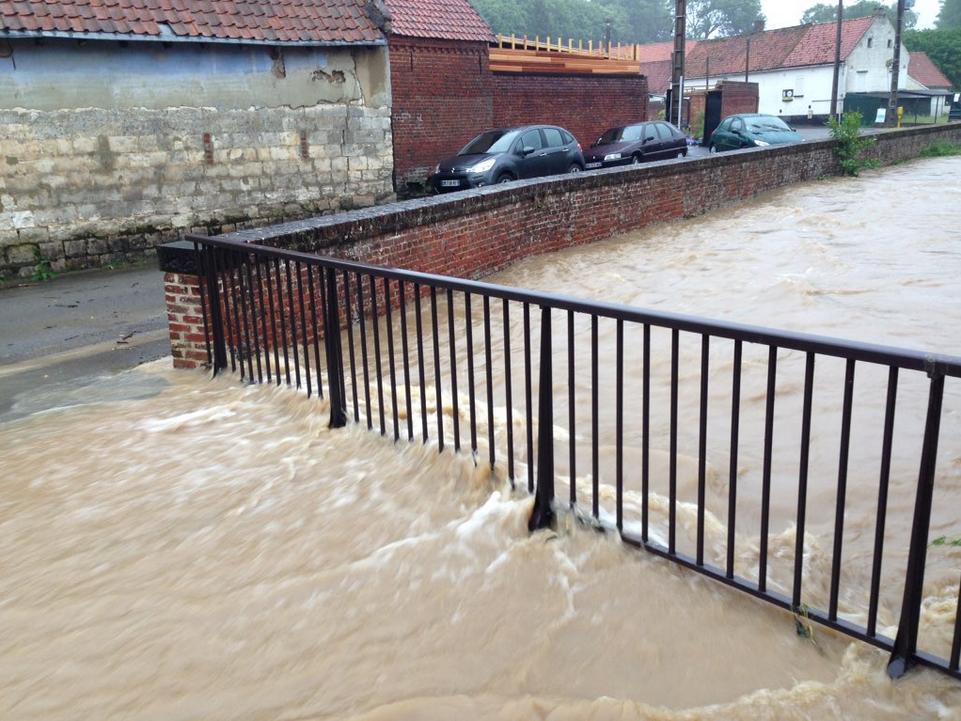 Des inondations à Rebreuve-Ranchicourt (Nord-Pas-de-Calais)