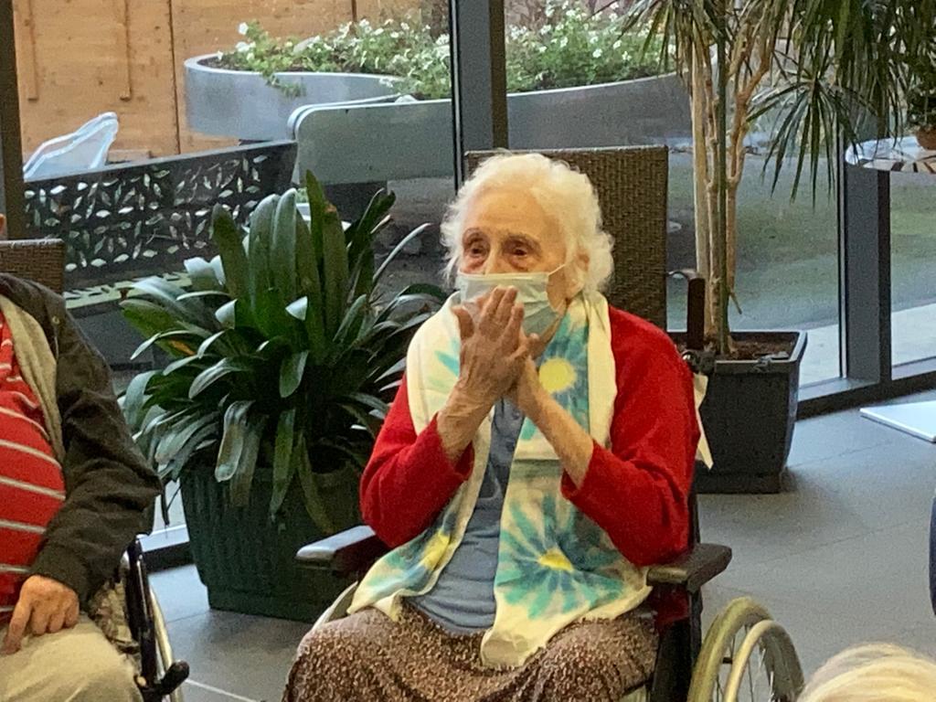 Renée, 94 ans, une résidente ravie d'avoir de la visite et qui profite des animations à l'Ehpad des clos des tilleuls de Hazebrouck.