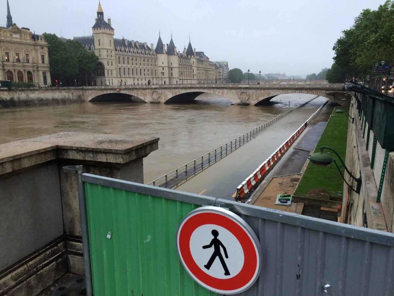Les voies sur berge inondées à Paris, le 1er juin 2016