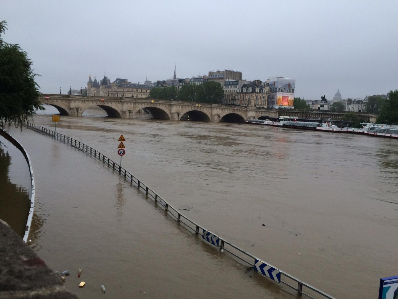 Les voies sur berge inondées à Paris le 1er juin 2016