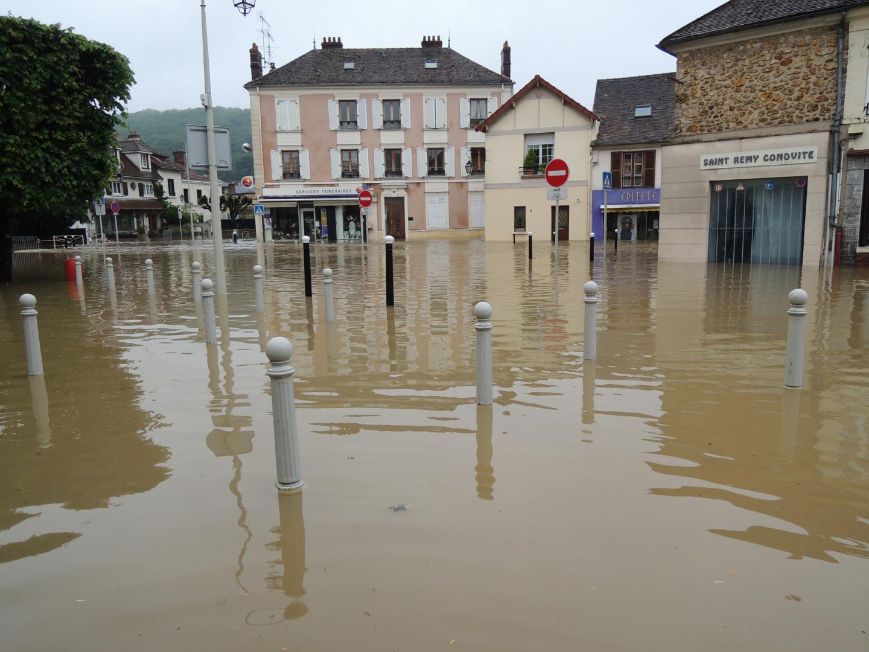 Les inondations de Saint Rémy-lès-Chevreuse dans les Yvelines le 1er Juin 2016