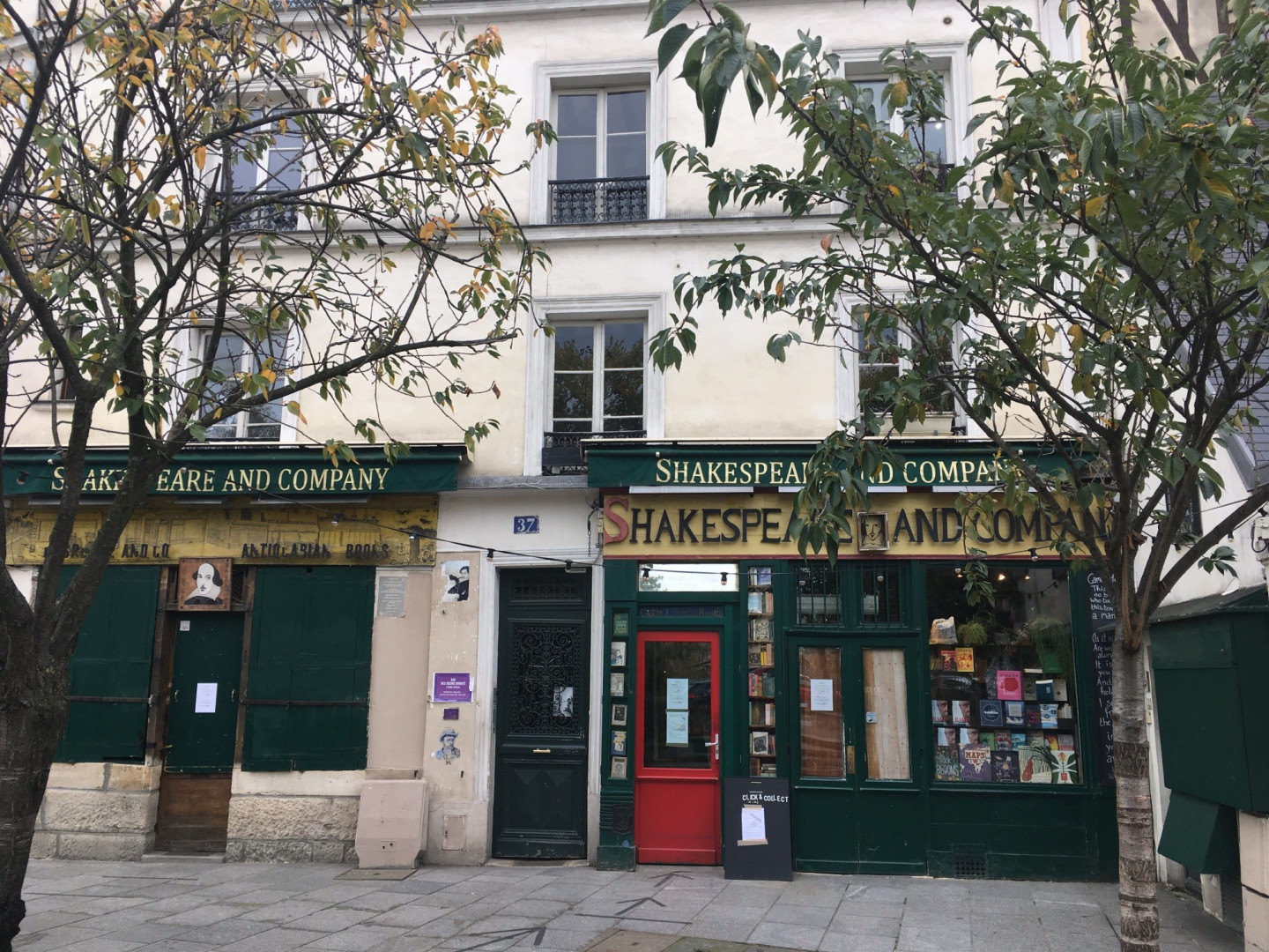La librairie anglophone Shakespeare and Company, située en face de Note-Dame