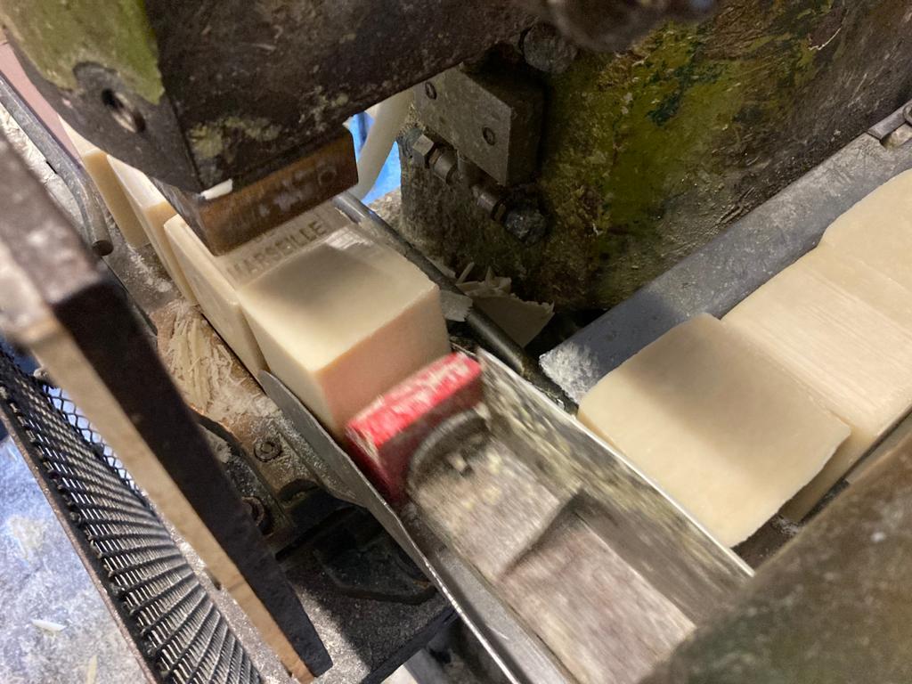 Configuration du savon dans la salle de la savonnerie