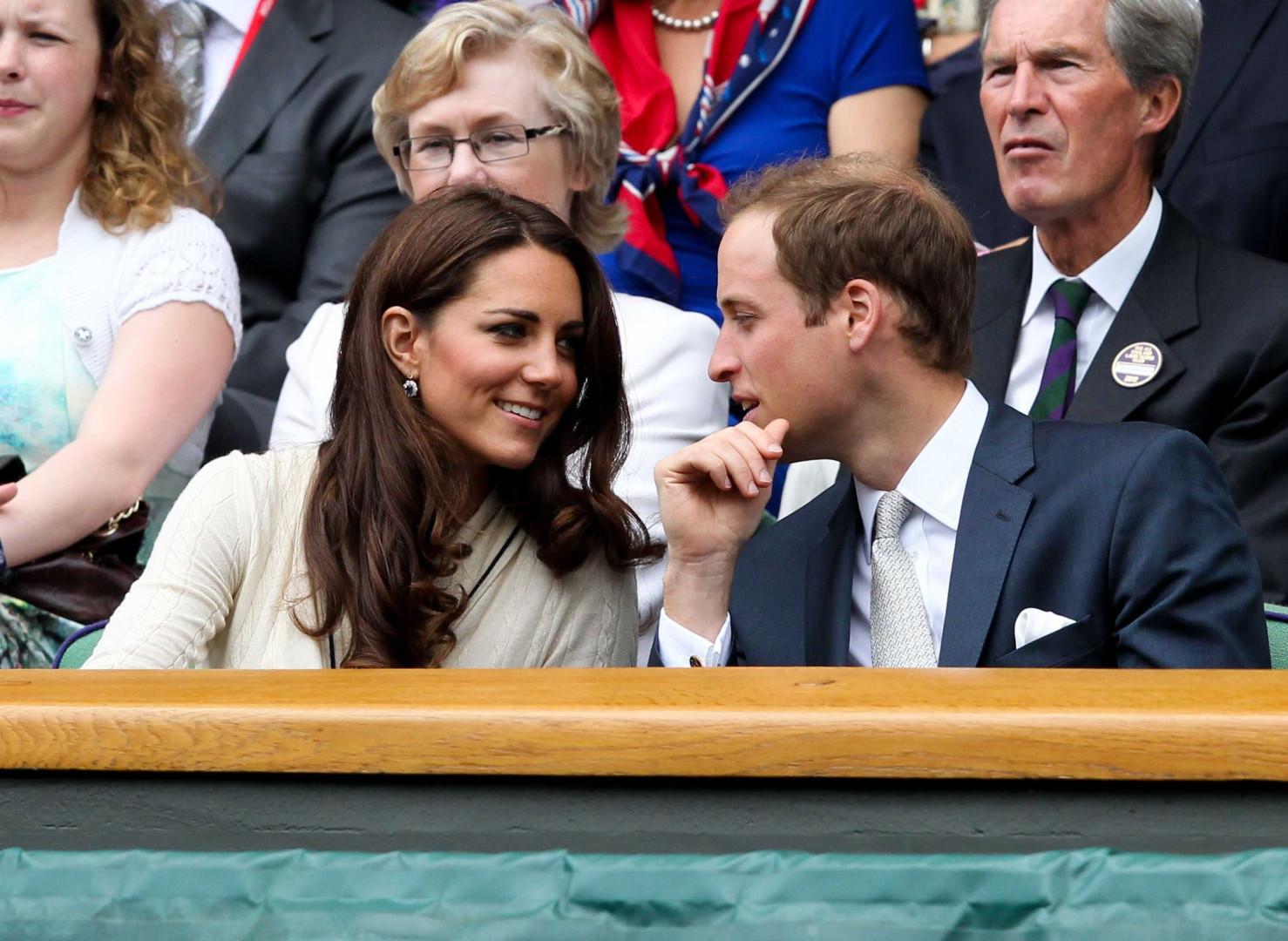 La complicité s'affiche sur les cours de Wimbledon le 4 juillet 2012