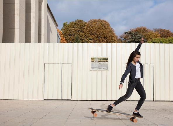 Roxane Lucas est elle aussi longboardeuse. Suivez ses aventures : Instagram/roxanelds