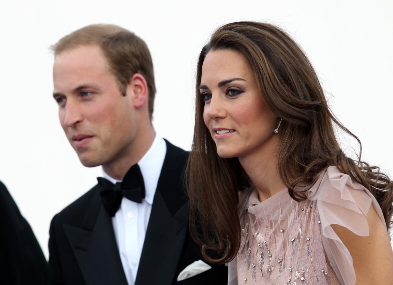 Kate et William lors de leur première sortie officielle en tant que mari et femme à un gala de charité, le 9 juin 2011